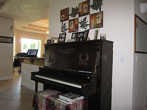 eagle_point_aspen_interior_piano.jpg