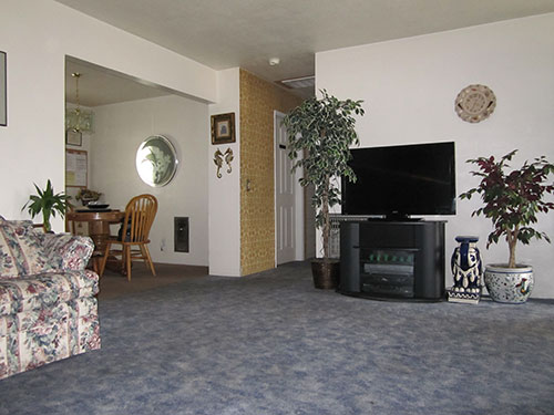 medford_sunrise_inside_living_room.jpg